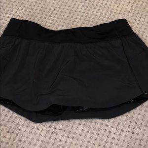 NEVER WORN Lululemon black skirt, Size 10